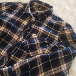 Forever 21 | Plaid Flannel Style Button Up!!